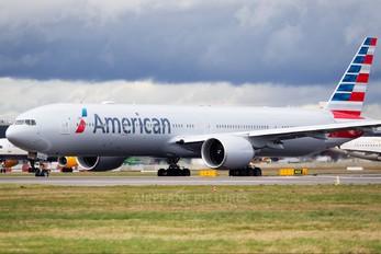 N717AN - American Airlines Boeing 777-300ER
