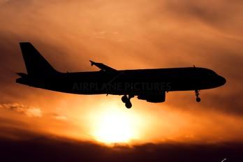 I-EEZH - Eurofly Airbus A320
