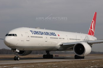 TC-JJN - Turkish Airlines Boeing 777-300ER
