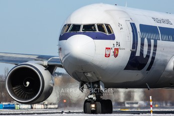 SP-LPA - LOT - Polish Airlines Boeing 767-300ER