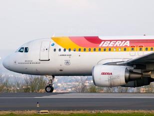 EC-HDT - Iberia Airbus A320