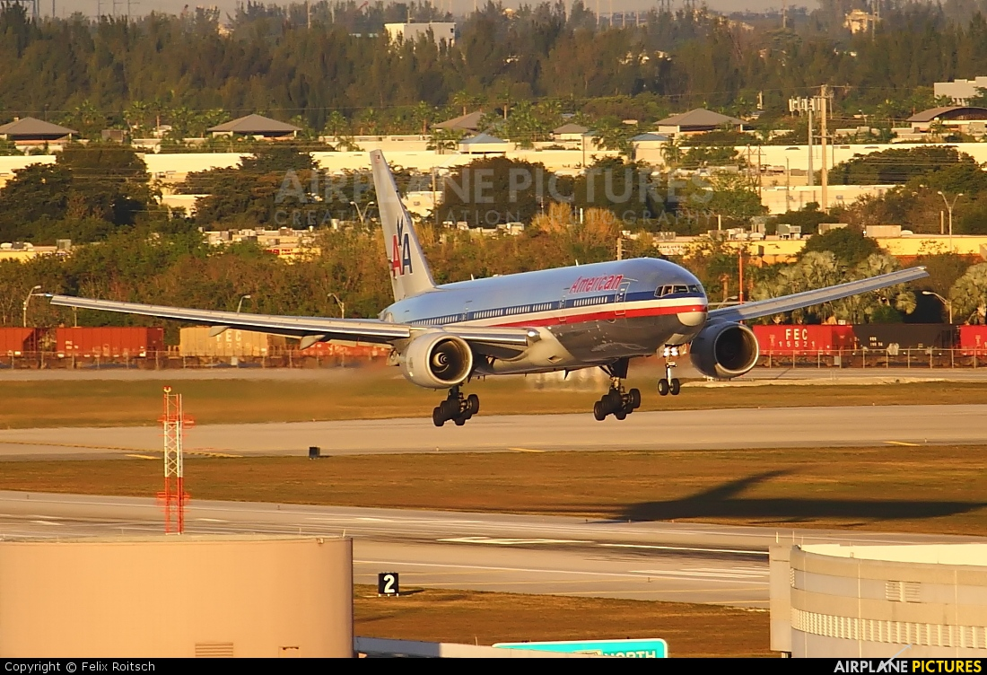 American Airlines N777AA aircraft at Miami Intl