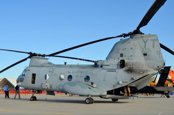 157721 - USA - Marine Corps Boeing CH-46E Sea Knight