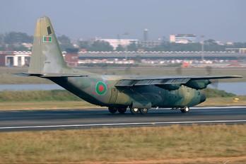 S3-AGB - Bangladesh - Air Force Lockheed C-130B Hercules