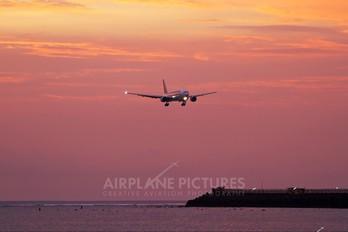 9V-SRL - Singapore Airlines Boeing 777-200ER