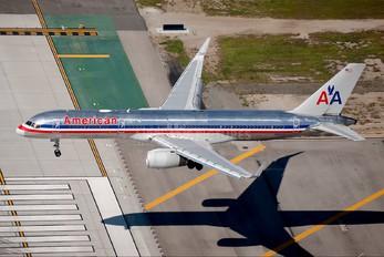 N688AA - American Airlines Boeing 757-200WL