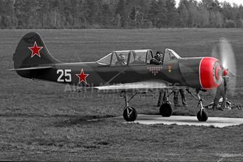 25 WHITE - Belarus - DOSAAF Yakovlev Yak-52