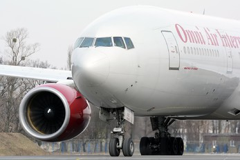 N927AX - Omni Air International Boeing 777-200ER