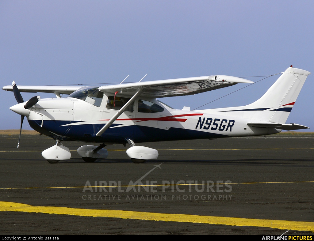Private N95GR aircraft at Azores - Santa Maria