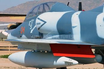 154342 - USA - Navy Douglas TA-4J Skyhawk