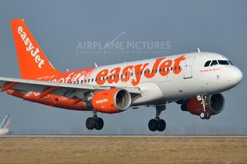 G-EZIO - easyJet Airbus A319