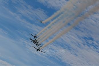 """- - Brazil - Air Force """"Esquadrilha da Fumaça"""" Embraer EMB-312 Tucano T-27"""
