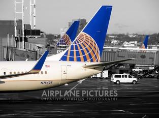 N75425 - United Airlines Boeing 737-900ER