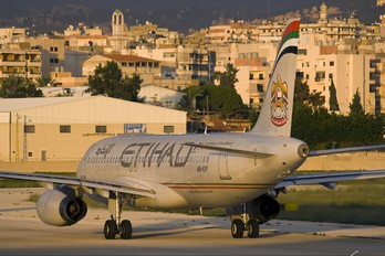 A6-EIF - Etihad Airways Airbus A320