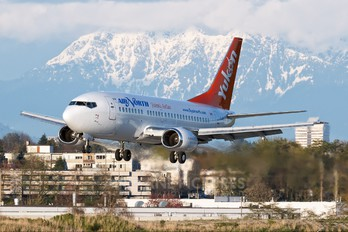 C-GANJ - Air North Boeing 737-500