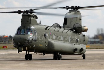 ZA674 - Royal Air Force Boeing Chinook HC.2