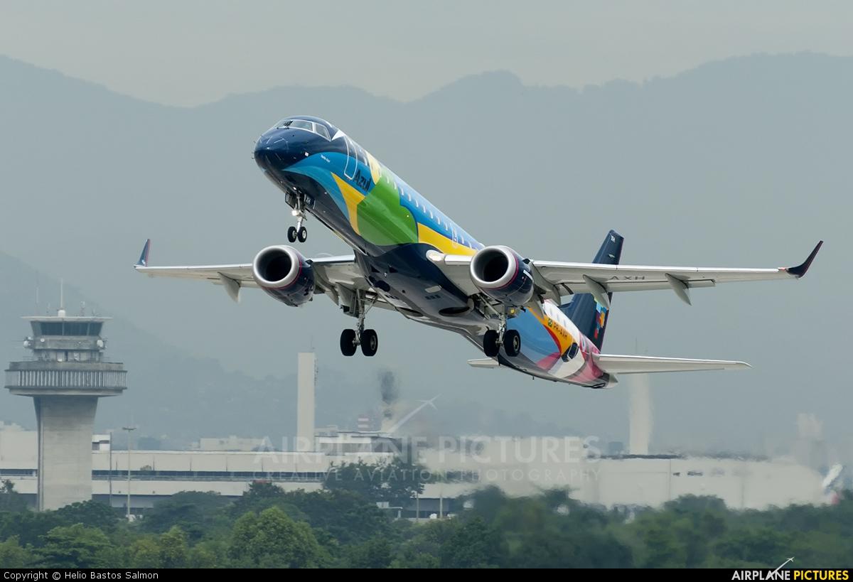 Azul Linhas Aéreas PR-AXH aircraft at Rio de Janeiro/Galeão Intl - Antonio Carlos Jobim