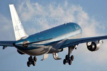 PH-AOK - KLM Airbus A330-200