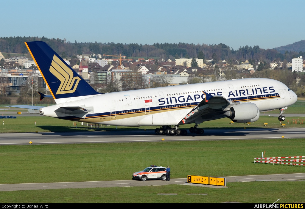 Singapore Airlines 9V-SKL aircraft at Zurich