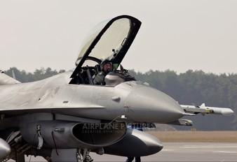 4050 - Poland - Air Force Lockheed Martin F-16C block 52+ Jastrząb