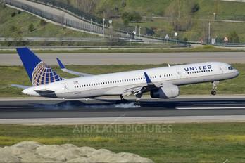 N14118 - United Airlines Boeing 757-200