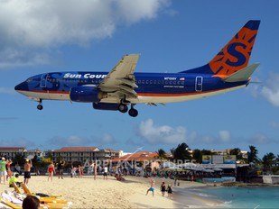 N713SY - Sun Country Airlines Boeing 737-700