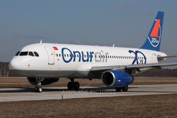 TC-OBL - Onur Air Airbus A320