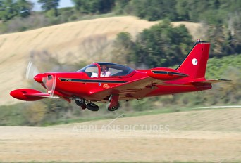 I-ROLL - Private SIAI-Marchetti SF-260
