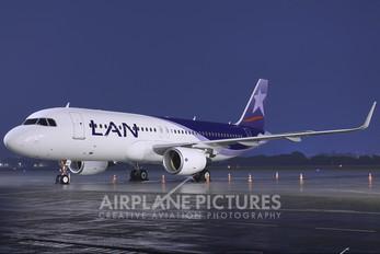 CC-BFL - LAN Airlines Airbus A320