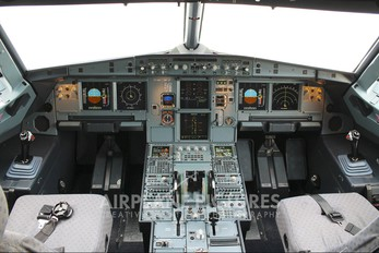 PT-MXI - TAM Airbus A321