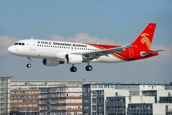 D-AXAN - Shenzhen Airlines Airbus A320