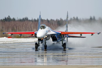 "01 - Russia - Air Force ""Russian Knights"" Sukhoi Su-27"