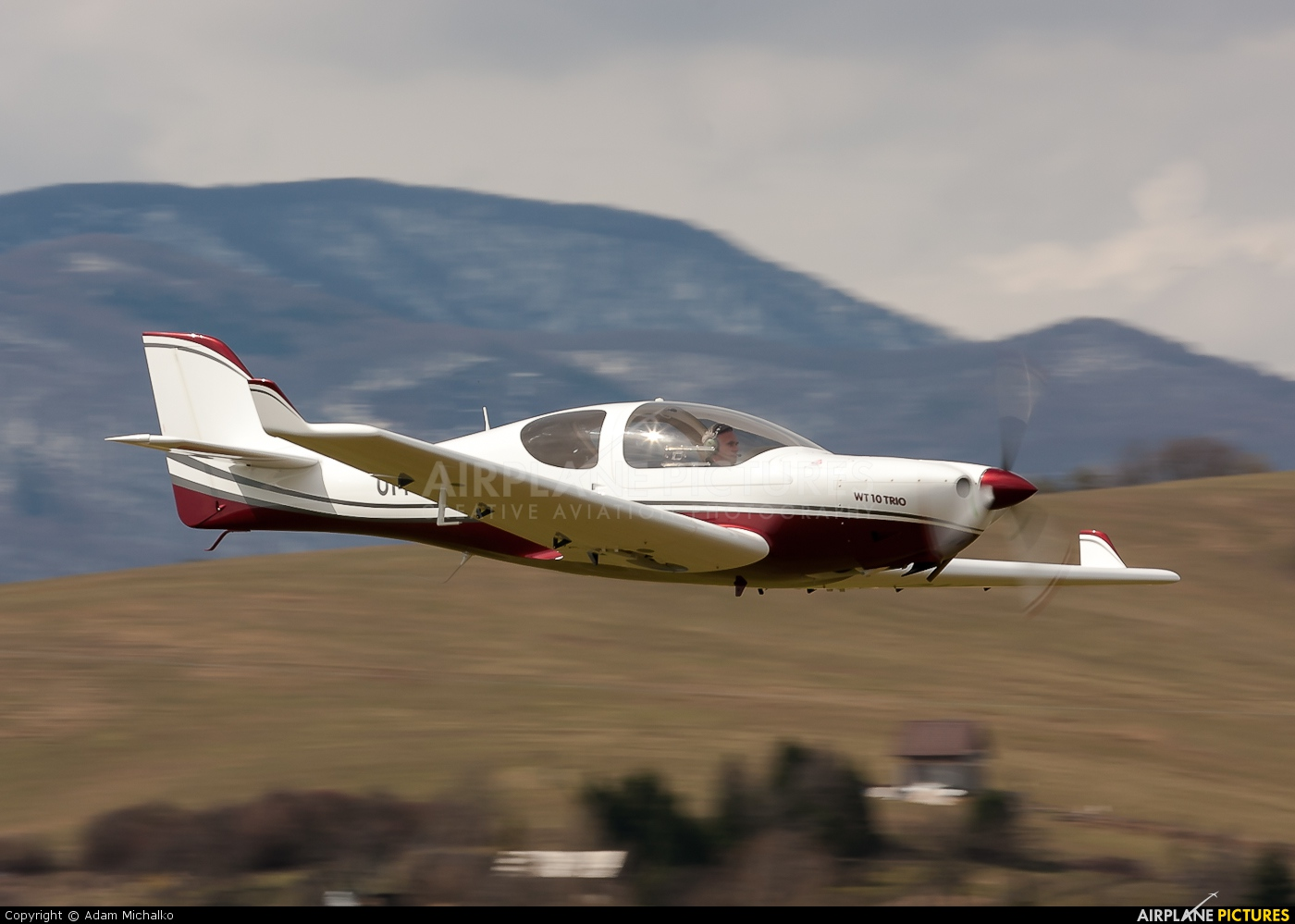 OM-DYX - Aerospool Aerospol WT-10 Advantic at Prievidza ...