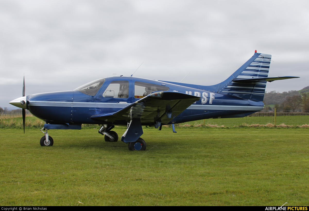 Private G-HPSF aircraft at Welshpool