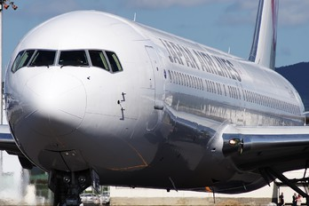 JA655J - JAL - Japan Airlines Boeing 767-300ER