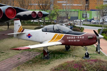 - - Korea (South) - Air Force Korean Aerospace KTX-1 Woong-Bee