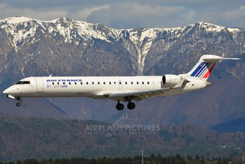 F-GRZL - Air France - Brit Air Canadair CL-600 CRJ-702