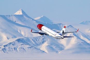 LN-NOV - Norwegian Air Shuttle Boeing 737-800