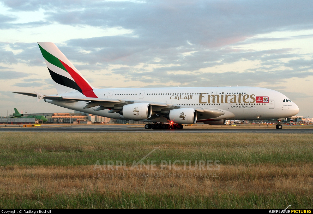 Emirates Airlines A6-EDJ aircraft at London - Heathrow