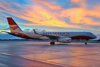 RA-64049 - Red Wings Tupolev Tu-204