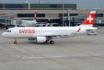 HB-JLT - Swiss Airbus A320