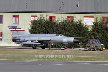26112 - Yugoslavia - Air Force Mikoyan-Gurevich MiG-21R