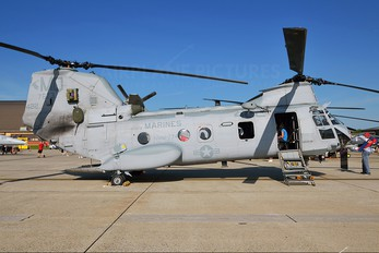 157673 - USA - Marine Corps Boeing CH-46E Sea Knight