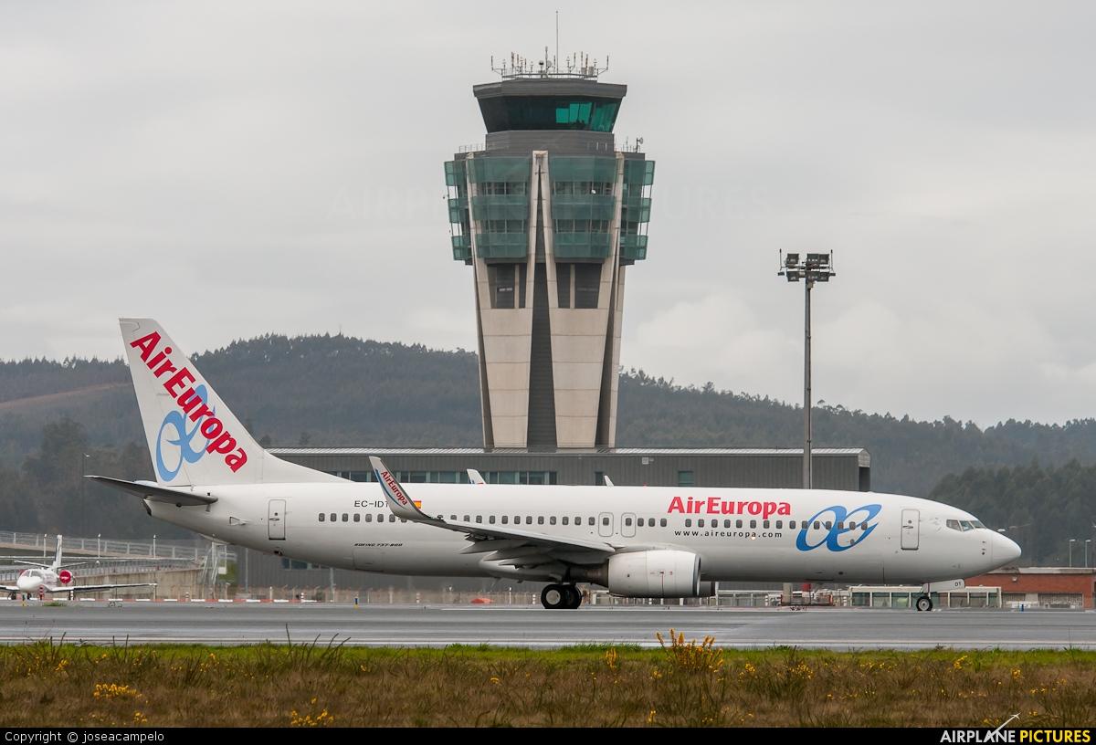 Air Europa EC-IDT aircraft at Santiago de Compostela