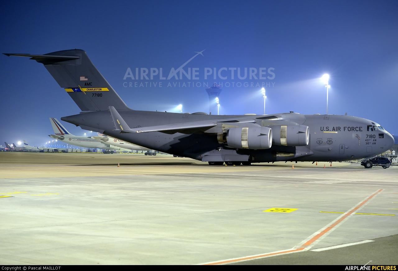USA - Air Force 07-7180 aircraft at Paris - Charles de Gaulle