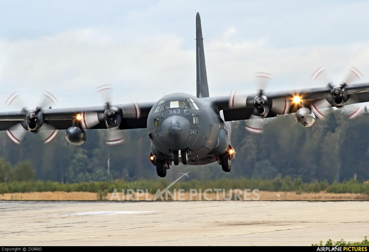 Canada - Air Force 130343 aircraft at Kubinka