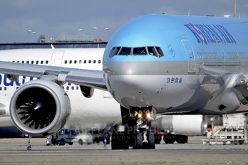 HL7752 - Korean Air Boeing 777-200ER