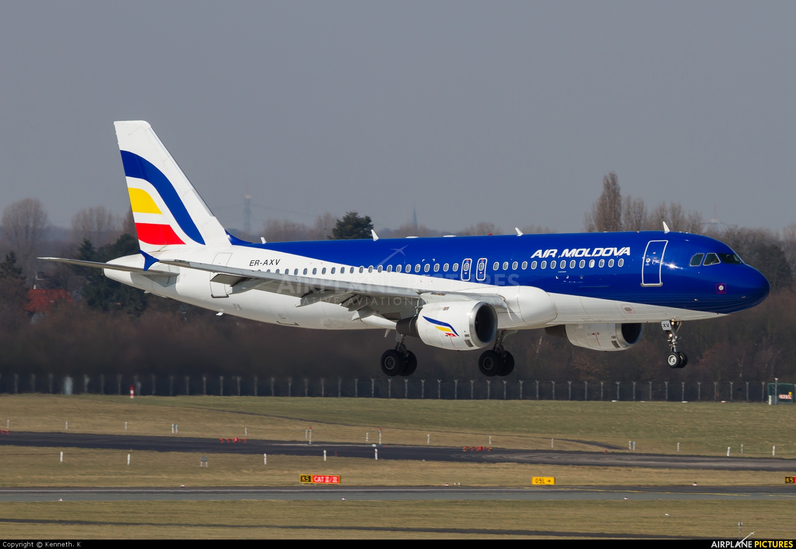 Air Moldova ER-AXV aircraft at Düsseldorf