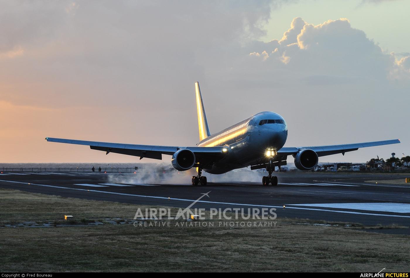 Air Canada C-FMWP aircraft at Sint Maarten - Princess Juliana Intl