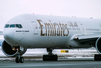 A6-EBT - Emirates Airlines Boeing 777-300ER